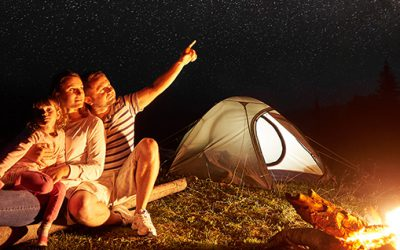Family stargazing with kids